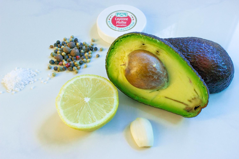 Zutaten - selbst gemachte Guacamole